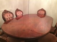 ITALIAN DESIGN DINNING TABLE WITH CHAIRS