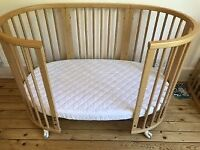 Stokke Sleepi Cot - Expandable Baby and Junior Bed