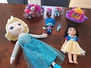 Lot de jouets pour fille a vendre/ lot of girl toys for sale