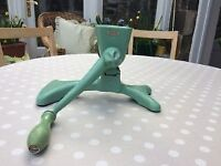 HARPER VINTAGE GREEN ENAMEL MEAT GRINDER. MINT CONDITION. LOVELY FOR DISPLAY IN TRADITIONAL KITCHEN