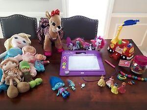 Lot de jouets pour fille a vendre