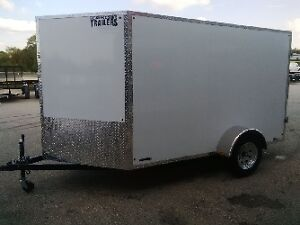 2017 BECKNER 6 X 10 + V NOSE / DOUBLE DOORS / WHITE