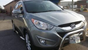2011 HYUNDAI TOUSON LIMITED ....ONLY 28200 KM...SHOW RM CONDITIO