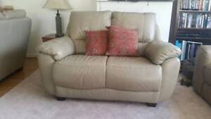 Leather lounge suite Cobbitty Camden Area Preview