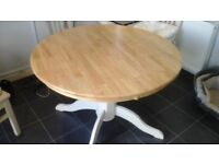 round dining room table never used great condition