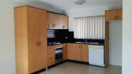 Modern Unit 2 bedroom for lease in Gosford avail 28 Nov $340pw