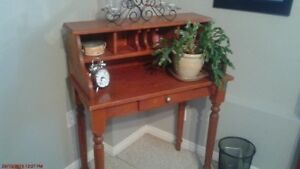 Cherry Stained Wooden Desk