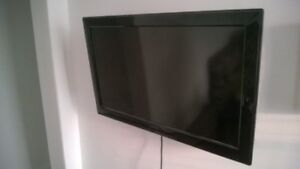 32 Inch LED flat screen for sale