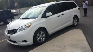 2016 Toyota Minivan, Van Kingston Kingston Area image 1