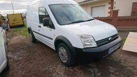 Ford transit connect T230 LWB high roof 09 plate white