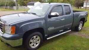 2011 GMC Sierra 1500 * low mileage * remote starter * undercoate