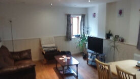 Beautifully renovated top floor flat in central Tiverton