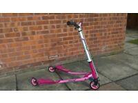 Piink girls flicker scooter