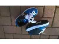 Heeley's, blue, kids size 12