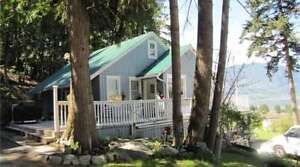 1360 Trans Canada Highway, Salmon Arm - Great Family Home