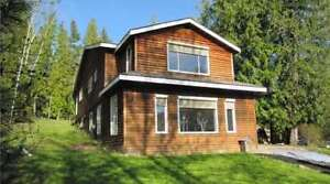 4068 Kean Road, Eagle Bay - Beautifully Updated Home
