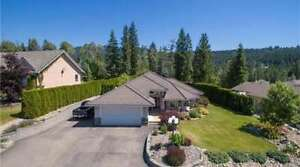 2783 Golf Course Drive, Blind Bay - VERY DESIREABLE RANCHER