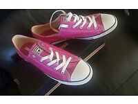 Ladies Pink Converse,size 7.5...brand new
