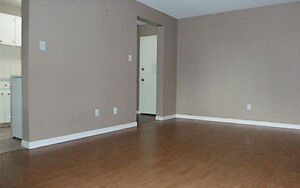 Newly Renovated Apartments Nearby Oliver square. FREE INTERNET O Edmonton Edmonton Area image 2