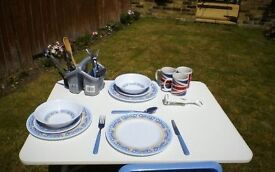 Camping crockery and cutlery