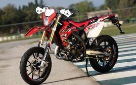 *MOTORCYCLE* 2017 Plate Rieju MRT 50 SM Pro. Warranty. Free Delivery. Main Dealer: