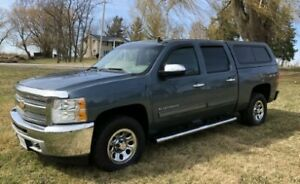 2012 Chevy Silverado LS Cheyenne 4X4 Low Kms Super Clean
