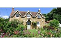 Beautiful 3 Bedroom Cottage in sought after location