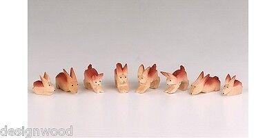 Hasen geschnitzt, geschnitzte Hasengruppe, Häschen gebeizt, geschnitzter Hase