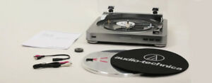 AUDIO TECHNICA TURNTABLE MODEL: AT-LP60 AS-IS