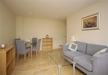 Gorgeous Two Bedroom Apartment in Sought After Covent Garden