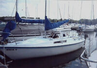 Macgregor 22' Sailboat -- Swing Keel, Motor and Trailer included