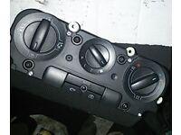 VW Passat 2.0 B6 TDI Heater Control Unit (2006)