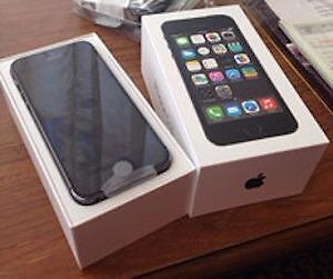2 Unlocked iPhone 5S Space Grey One 32 Gb Lke New With Box, One 16 Gb Brand New With Box for $360 Each CALL 647-875-7109