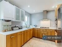 3 bedroom house in Coronation Road, Hayes, UB3 (3 bed)