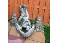 Otter Water Feature (with pump) - Cast Stone