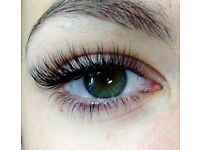 Semi Permanent Eyelash Extensions I'll come to you to make your lashes gorgeous for ONLY £40 !!!