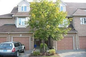 LARGE executive CONDO TOWNHOUSE in Central Mississauga FOR RENT