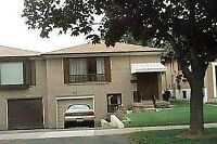 $750/1OCTO 2021 STEELES /BATHURST ROOM FOR RENT UPPER LEVEL OF A