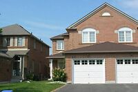 A Cozy Semi-Detached In Richmond Hill For Rent