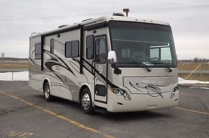 Tiffin Motorhomes Allegro Breeze 28BR 2012