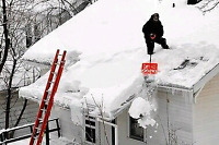 EXPERIENCED ROOF SNOW REMOVAL !!!