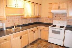 Immediately Available, Southgate/UofA, 3 Bdrm Main Floor