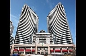 Wonderful Bed+Den Condo In Prime Location Of Markham At Yonge St