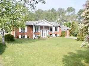 BOBCAYGEON 3 BEDROOM ALL BRICK BUNGALOW / PIGEON LAKE
