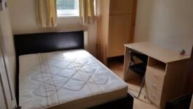 Double room to rent just 5 minutes distance to West brompton Station and fulham road