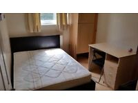 Double room to rent in tidy and clean property