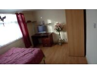 Single large furnished room to rent