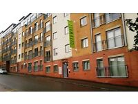 2 BEDROOM FULLY FURNISHED APARTMENT-2 BATHROOMS-B1 POSTCODE OF CITY CENTRE-PARKING INCLUDED-£875PCM