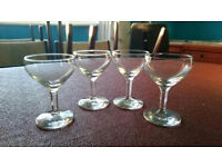 4 small plain vintage glasses
