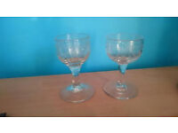 Selection of 4 small vintage glasses